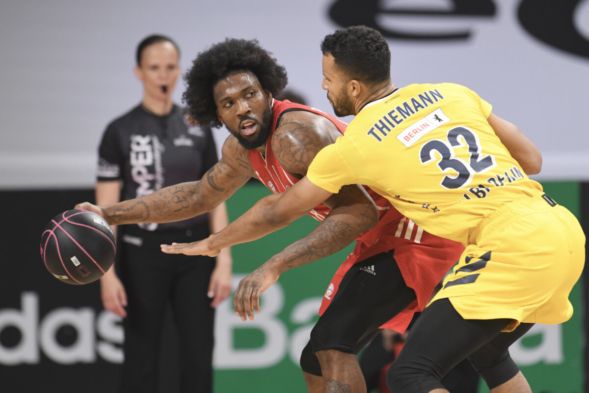 Basketball-Finals in München vor 1000 Fans in der Halle