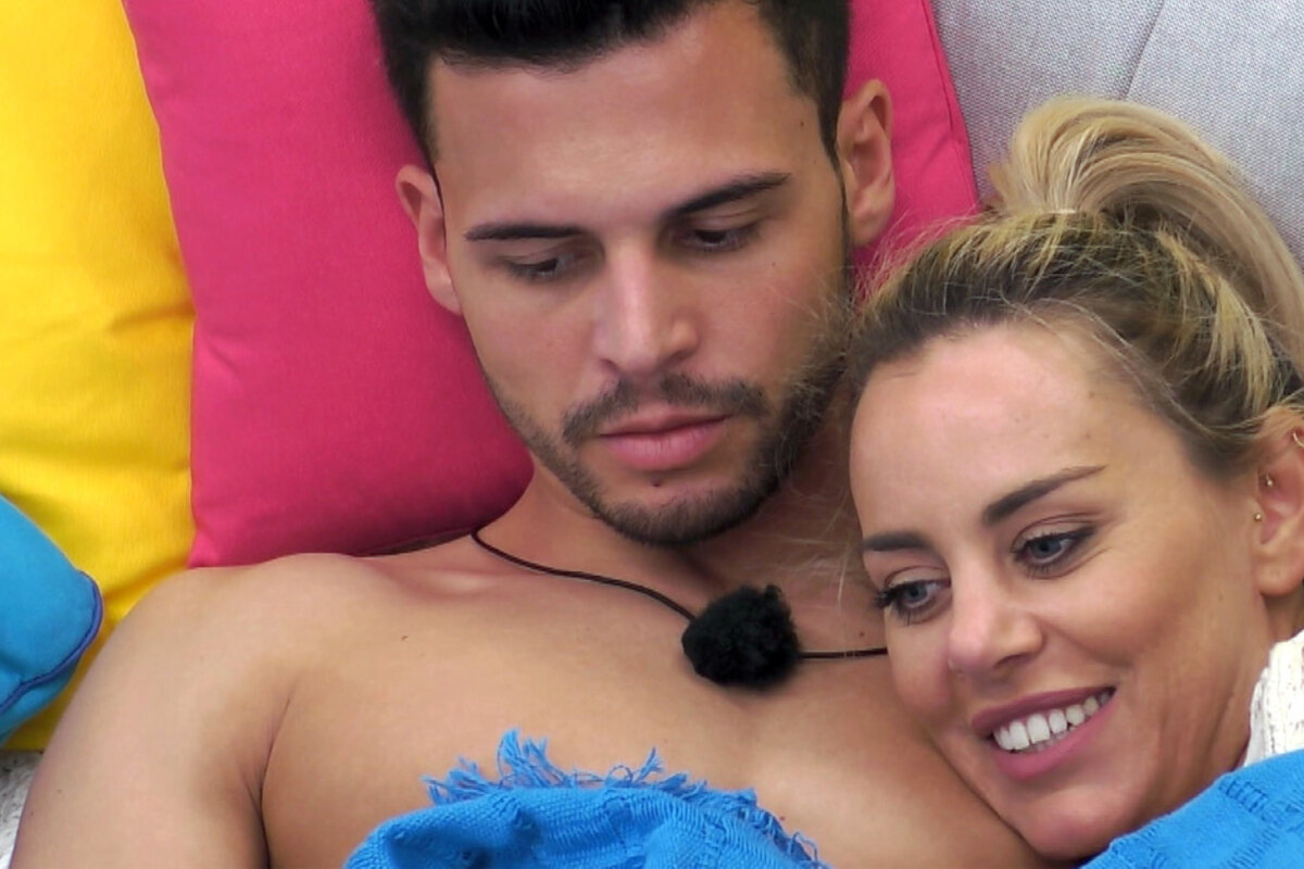 """Eierdrama bei """"Love Island"""": Erste Krise bei Traum-Couple Nicole und Dennis"""