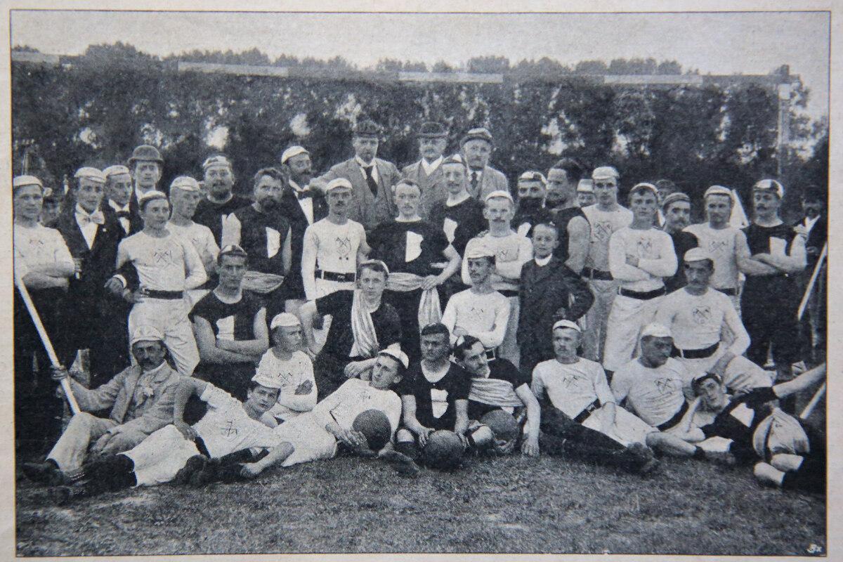 Das ist das älteste Foto einer Dresdner Fußballmannschaft