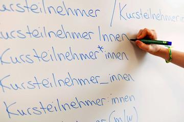 Schlechte Noten wegen Gender-Sternchen? Staatsregierung ermahnt Hochschulen