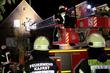 Mysteriöser Brand: Feuerwehr löscht leerstehendes Wohnhaus