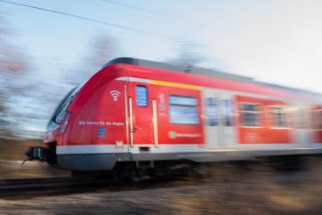 Schulklasse wird in Stuttgarter S-Bahn von Mann mit Pfefferspray besprüht: Sechs Verletzte