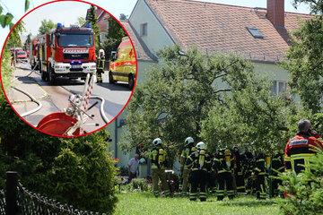 Verpuffung führt zu Brand: Wohnhaus geräumt, eine Person verletzt