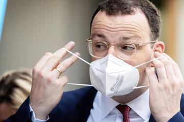 """Coronavirus: Spahn warnt vor """"Sorgenherbst"""" und hofft auf """"sorgsame"""" Reisende"""