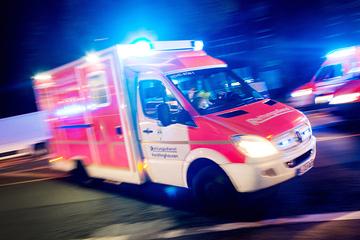 Chemnitz: Nachts in leerstehendem Gebäude: Junge Frau stürzt in Fahrstuhlschacht und wird schwer verletzt