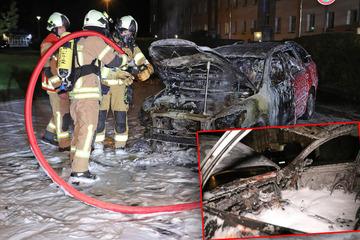 Dresden: Während der Fahrt: Skoda geht plötzlich in Flammen auf und brennt aus!