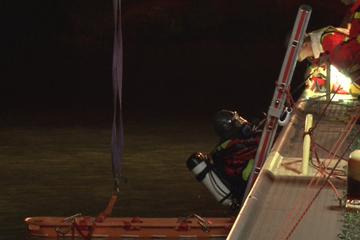 Drama bei Party am See: 19-Jähriger fällt ins Wasser und stirbt