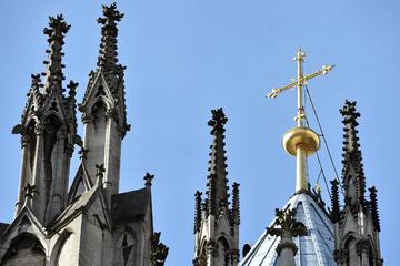 Hochrangige Mitarbeiterin des Erzbistums Köln klagt: Sie will 50.000 Euro
