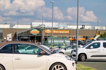 Es stinkt zum Himmel! Buttersäure-Anschlag auf Autos am Globus-Markt