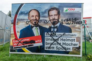 Vandalismus im Erzgebirge: CDU-Wahlplakate mit Beschimpfungen beschmiert