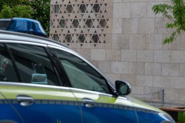 Magdeburg: Banner für Synagogen-Neubau in Brand gesetzt