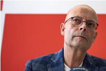 Verfahren ausgeweitet: Halles suspendierter Oberbürgermeister weiter unter Druck