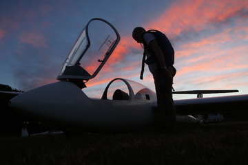 Segelflieger begrüßen die längsten Tage des Jahres mit Sonnenwend-Flügen