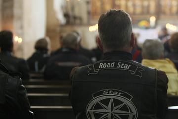 Gedenken an verunglückte Motorradfahrer: Hier kommen seit 15 Jahren Biker zum Gottesdienst zusammen
