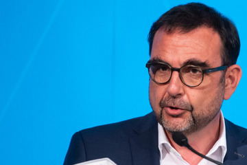 Gesundheits-Minister Holetschek will Demenzkranke und Angehörige unterstützen