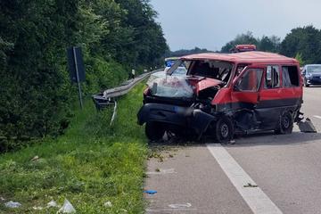 Unfall A6: Überholmanöver auf A6 geht schief: 30 Kilometer Stau auf der Autobahn