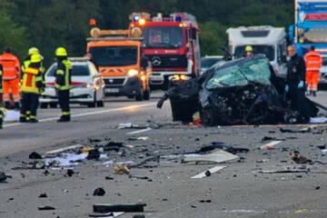 Unfall A5: Todes-Crash auf der A5: Sachverständiger bestätigt Falschfahrer-Verdacht
