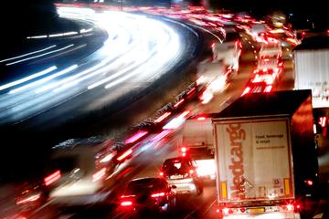 Unfall A12: 27-jähriger Fußgänger auf A12 wird von Auto erfasst und stirbt