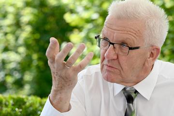 Ministerpräsident Kretschmann will Impfpflicht nicht ausschließen