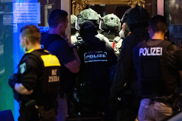 Razzia in Berliner Hotel: Das SEK kam mit der BVG