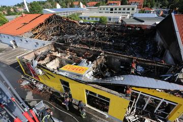 Zerstört! Hunderttausende Euro Schaden bei Brand eines Netto-Markts