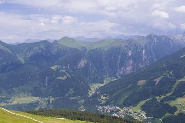 Wanderin stürzt beim Fotografieren in den Alpen in den Tod