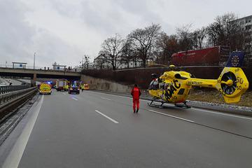 Unfall A96: Großeinsatz auf der A96: Mann stirbt bei Verkehrsunfall in München