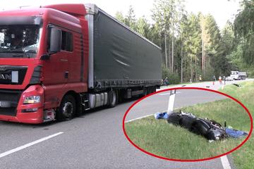 Tödlicher Unfall: Motorradfahrer kracht frontal in Sattelzug