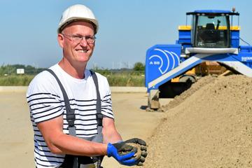 Sachsen zahlt Millionen für Bakterien: Winzige Armee reinigt verseuchten Boden