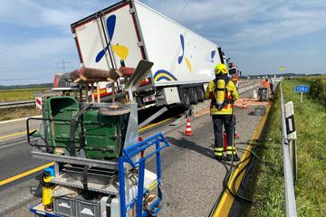 Unfall A5: A5 nach größerem Lkw-Unfall voll gesperrt