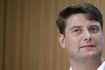 """AfD-Politiker Aust kritisiert Todesdrohung an AfD-Infostand: """"Extremisten der Mitte müssen sich mäßigen"""""""
