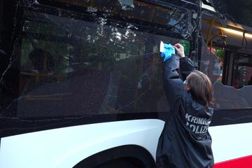 Mehrere Schüsse auf zwei Busse abgegeben! Kriminalpolizei ermittelt