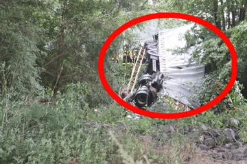 Unfall A66: Laster stürzt auf der Autobahn 66 von Kinzigtalbrücke
