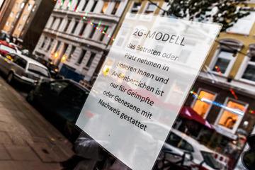 """Hamburg: """"Endlich wieder tanzen und trinken"""": So läuft das 2G-Feiern auf dem Kiez!"""
