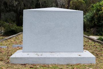Grabstein an Kindergrab umgeworfen und Pflanzen beschädigt: Wer macht so was?