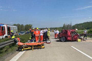 Unfall A7: Geisterfahrer verursacht Horror-Unfall: Ein Toter, mehrere Schwerverletzte