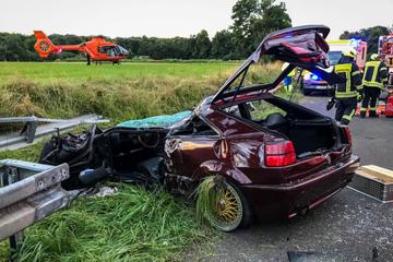Unfall A66: Autofahrer unter Schutzplanke eingeklemmt und schwer verletzt: Rettungshubschrauber im Einsatz
