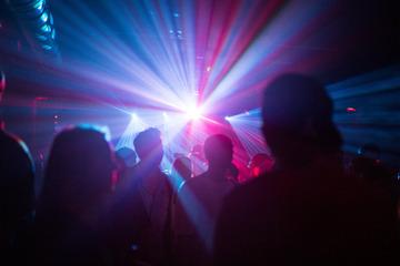Berlin: Endlich wieder feiern: Berliner Clubs öffnen draußen die Tanzflächen
