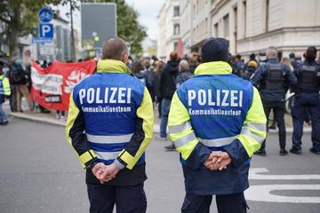 Leipzig: Mehr als 1000 Polizisten bei Leipziger Demos