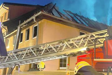 Einfamilienhaus fackelt ab: Polizei schnappt mutmaßlichen Feuerteufel