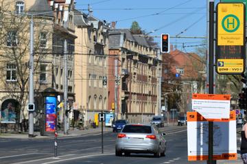 Radfahrer (14) bei Unfall in Dresden verletzt: Zeugen gesucht