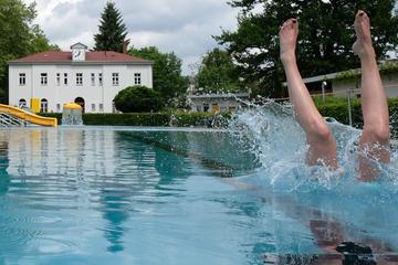 Schlechtes Wetter und Corona: Enttäuschender Sommer für Sachsens Freibäder
