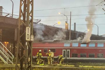 Dresden: Zug vor Dresdner Hauptbahnhof in Flammen!