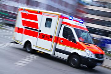 München: Baby schneller als die Feuerwehr: Rettungswagen muss auf der A99 halten