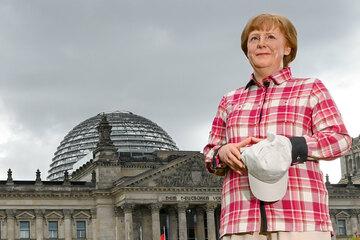 Berlin: Als Wanderin: Angela Merkel bekommt Wachsfigur bei Madame Tussauds