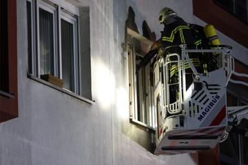 Leipzig: Dramatische Rettung aus brennender Wohnung: 35-Jähriger nach Feuer verletzt!