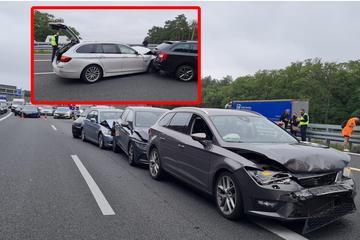 Unfall A: Crash auf der A10: Etliche Fahrzeuge fahren hinten auf