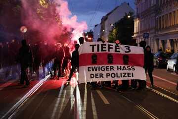 Leipzig: Demos, Pyro und Steinwürfe: So verlief der Samstag in Leipzig