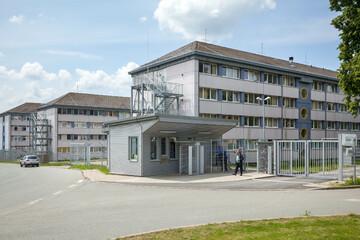 Brand in Asylheim im Erzgebirge: Mann zündet Matratzen an