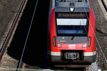 In letzter Sekunde: Bahn-Mitarbeiter hält 16-Jährigen vom Selbstmord ab